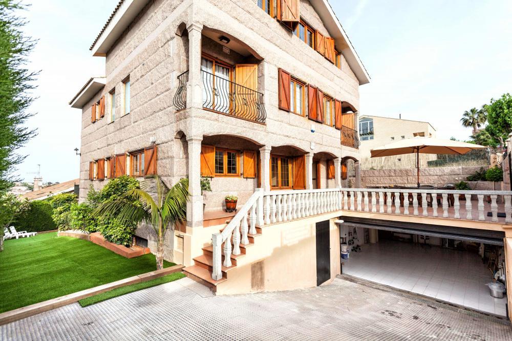 038 MAM TURÓ Detached house El Maresme Alella
