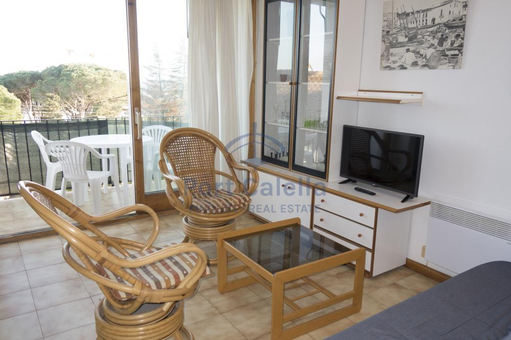 042 PAGELL  Apartment Centre Calella de Palafrugell