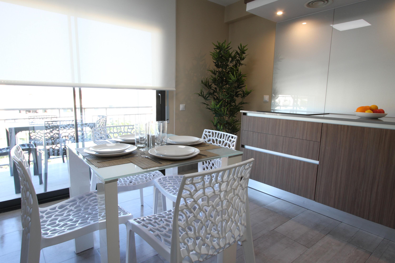 CPS102 1 HAB 1ª planta 3/5pax  Apartamento Playa Cambrils  comedor cocina