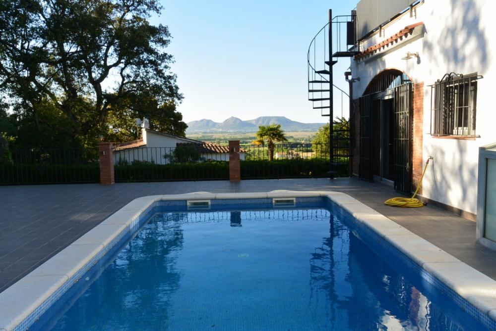 Casa amb piscina Pals