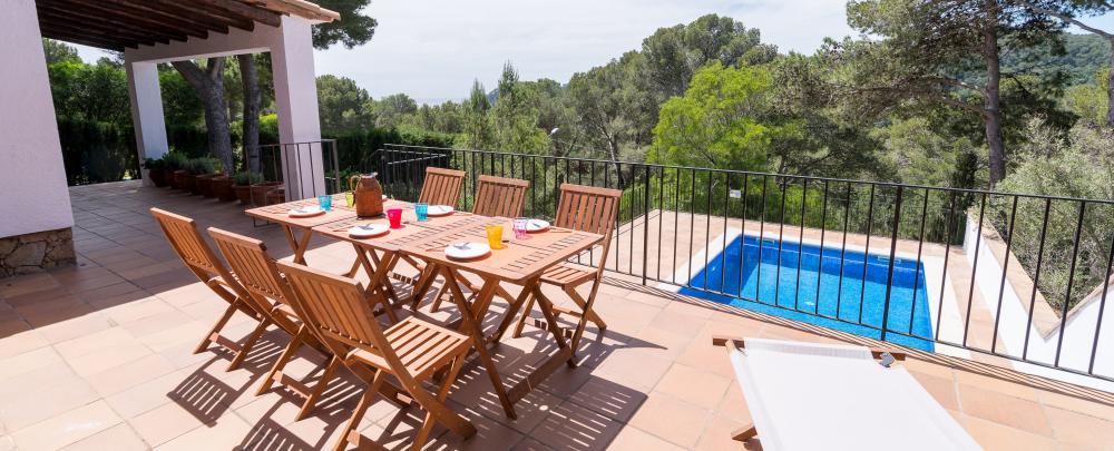 Las mariposas alquiler casa aislada con piscina en for Villas las mariposas