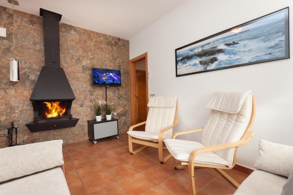 Vacation house for eight people - family groups, close to the beach and Barcelona. Sant Pol - Maresme